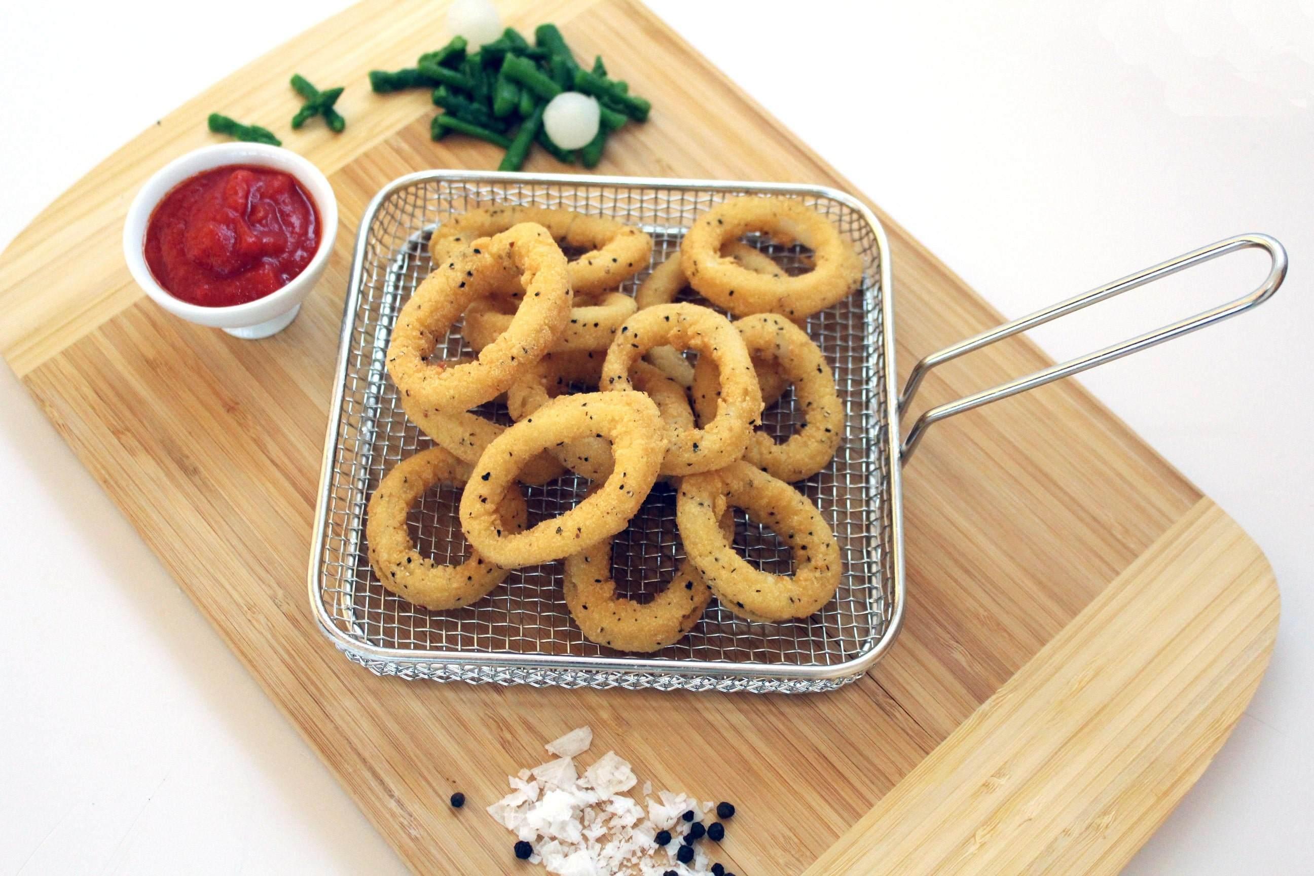 anilla rebozado sal y pimienta cocinada congelada frozen breaded squid rings salt and pepper