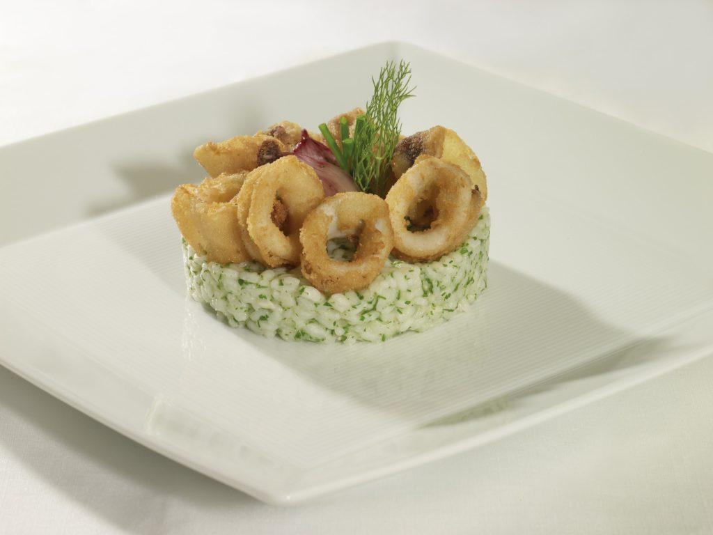 chipiron enharinado cocinado cooked baby squid coated on flour